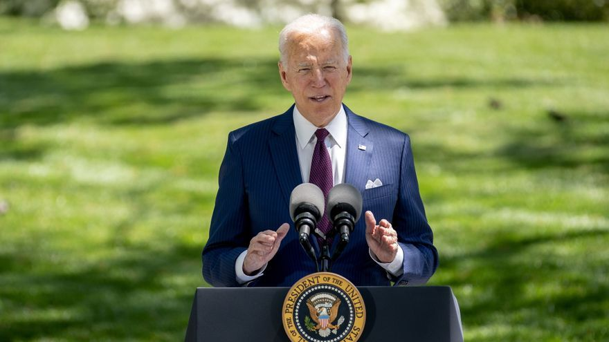 Biden rememora sus viajes en tren para defender su plan de infraestructura