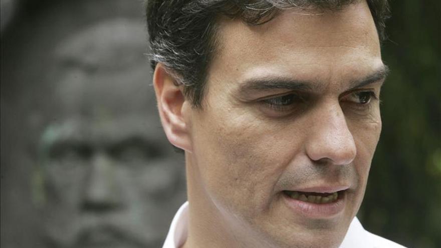 """Pedro Sánchez, del PSOE, afirma que su """"empeño es jubilar democráticamente a Rajoy"""""""