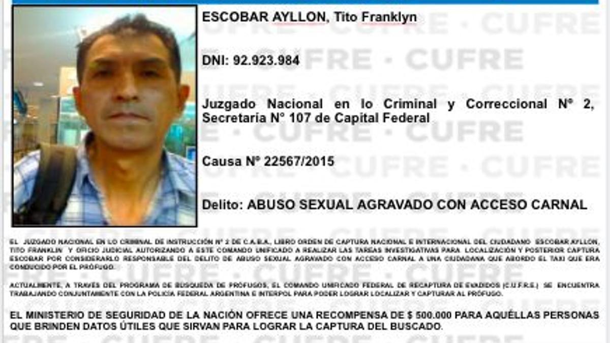 Uno de los más buscado es Tito Escobar Aylon, violó a una chica que se subió a su taxi.
