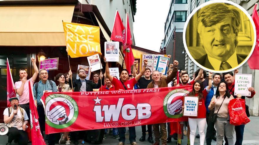 Protesta de los friegaplatos a la puerta del club londinense 5 Hertford Street