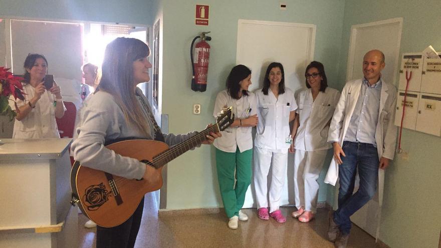 rozalén en el hospital de Hellín