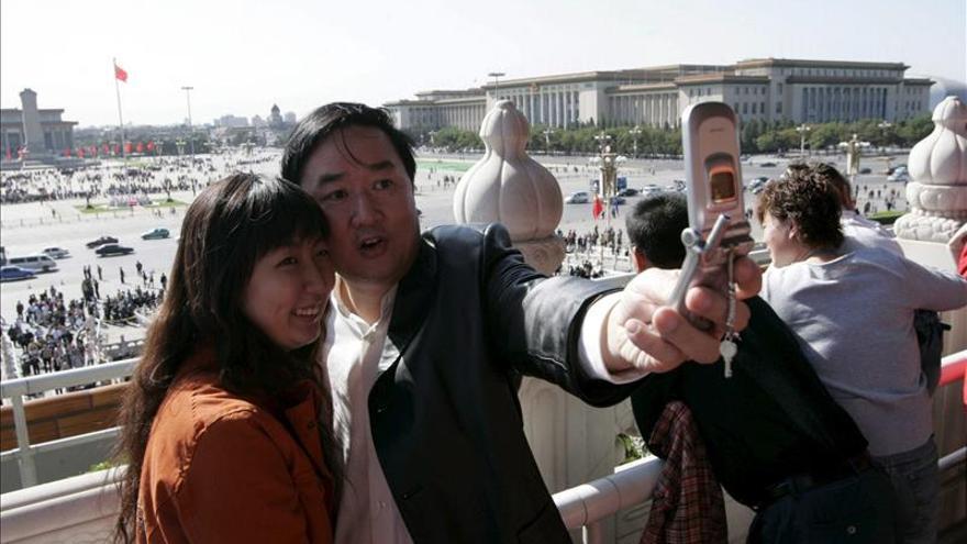 """Un millonario chino """"invade"""" Francia con un viaje turístico de sus empleados"""