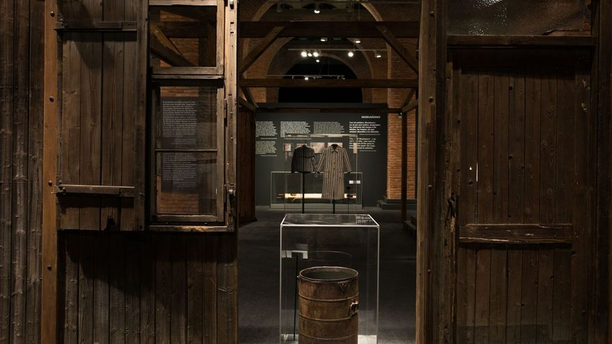 Vista interior de la muestra en Centro de Exposiciones Arte Canal