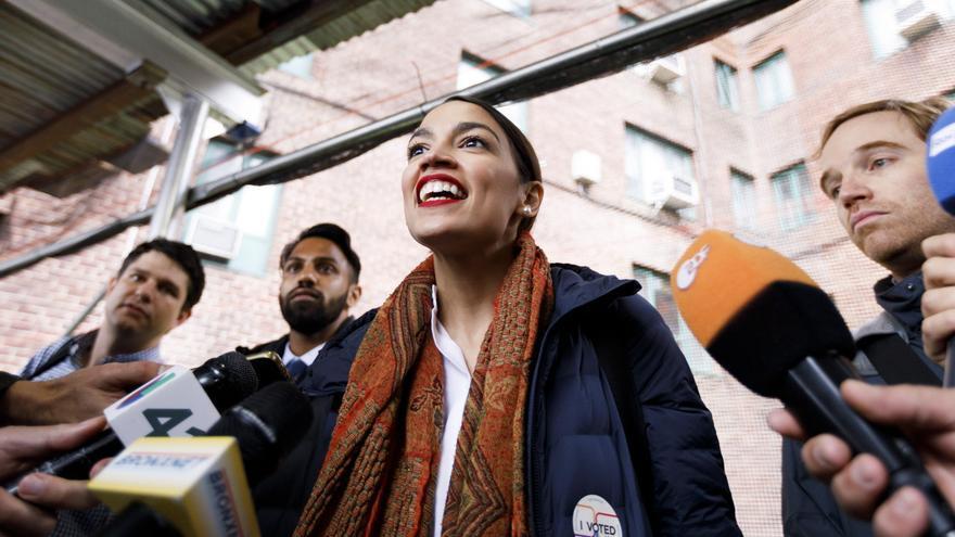 Alexandria Ocasio-Cortez, justo después de votar en las elecciones legislativas