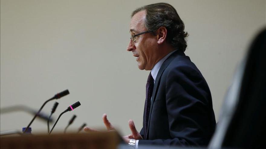 Alfonso Alonso, durante una rueda de prensa.