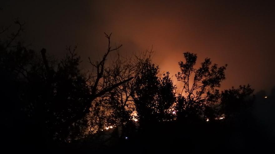 Incendio en La Sierra, en el municipio de Ramales de la Victoria. | Asociación Cailagua