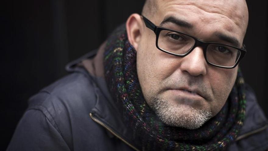 Alexis Ravelo recupera la Guerra Civil en Canarias en su nueva novela