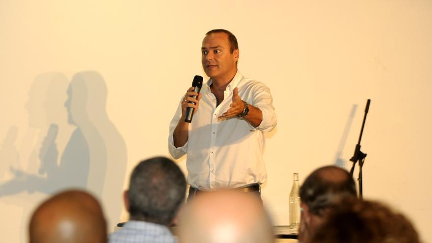 Augusto Hidalgo.