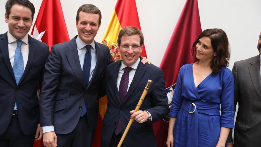Populares en la toma de posesión de Martínez-Almeida.