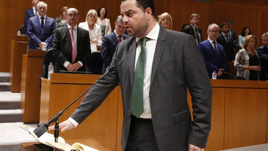 David Arranz (Vox) en la toma de posesión como diputado de las Cortes de Aragón