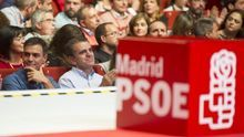 Pedro Sánchez y el líder del PSOE en Madrid, José Manuel Franco, en la clausura del congreso de los socialistas madrileños.
