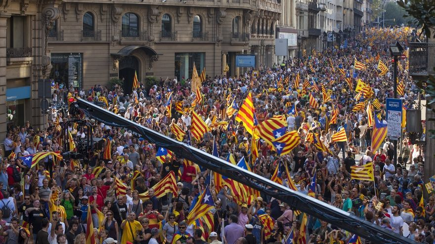 Un millón y medio de manifestantes copan las calles por la independencia, según la Guardia Urbana