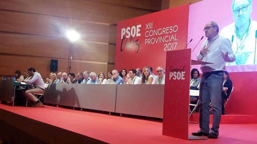 """PSOE-A advierte de que reformar la Constitución """"sí, privilegios no"""""""