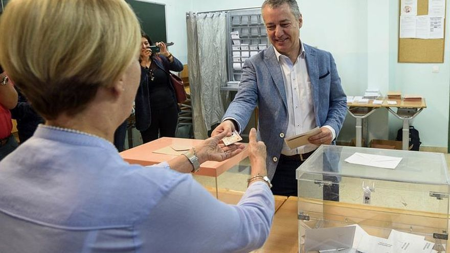 """Urkullu espera que las elecciones sean """"positivas"""" para los vascos"""