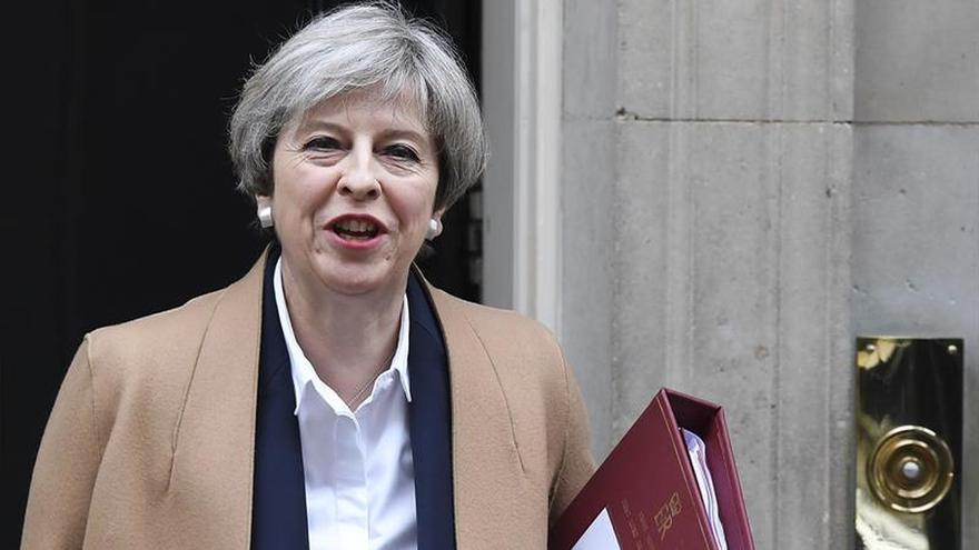 May cree que puede consensuarse un pacto comercial con la UE en dos años