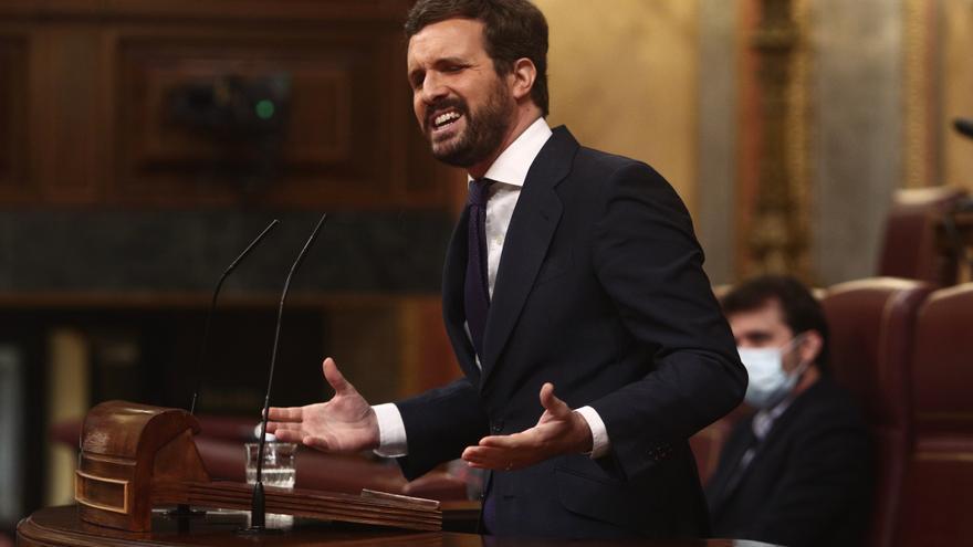 El líder del PP, Pablo Casado, interviene durante una sesión plenaria, a 14 de abril de 2021, en el Congreso de los Diputados, Madrid, (España).