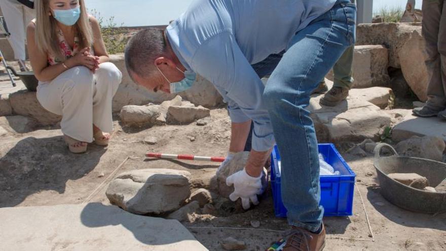 Descubren un busto del siglo I en una excavación en Cástulo (Jaén)