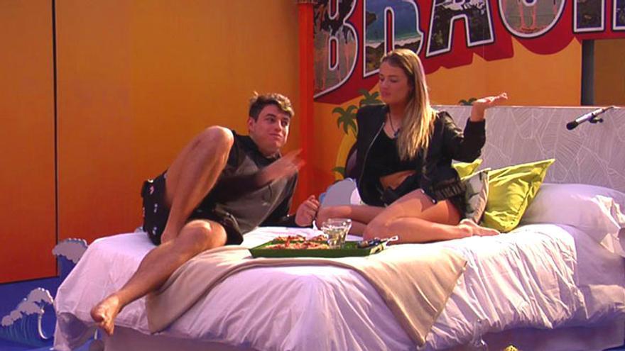 'GH VIP': Así fue la hora sin cámaras entre Alyson y el brasileño con pizza y vino