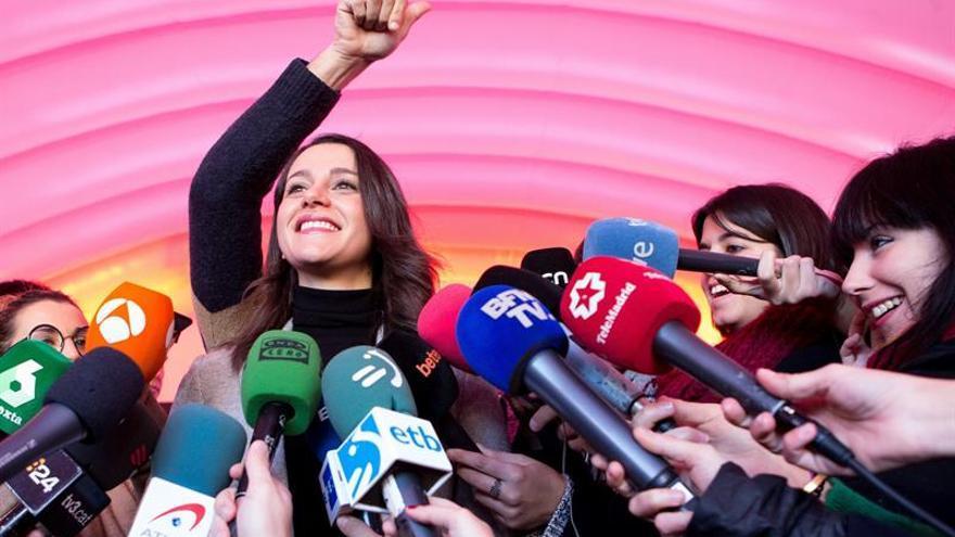 """Arrimadas critica que Iceta """"quiera ser presidente a toda costa"""""""