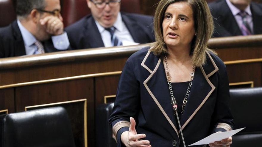 """Báñez afirma que el presupuesto es """"tremendamente"""" social y en 2014 habrá  empleo neto"""