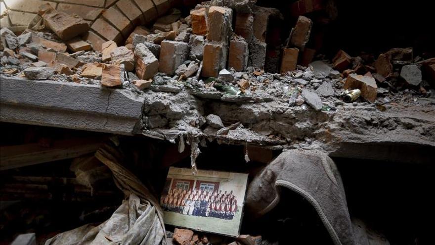 Los muertos por el terremoto de Nepal superan los 7.500 y los heridos 14.400