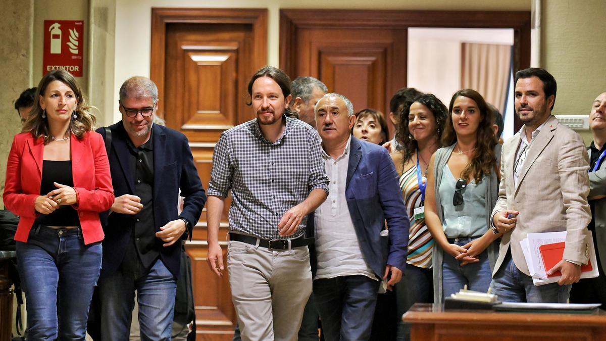 Pablo Iglesias, en el Congreso, tras reunirse con los líderes sindicales en las negociaciones fallidas para un Gobierno de coalición en 2019.
