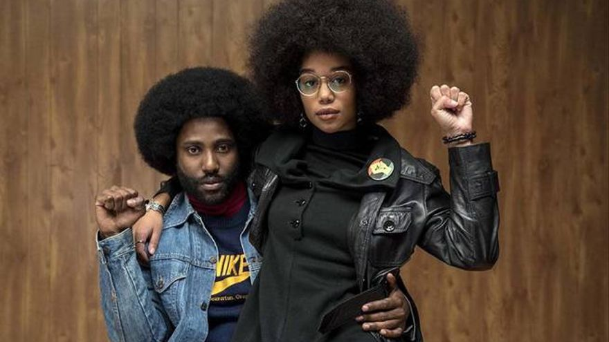 John David Washington y Laura Harrier en 'Infiltrado en el KKKlan'. (Universal)