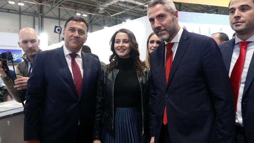 Arrimadas insta a Sánchez a asumir que Torra está inhabilitado y que no puede tratarle como a un presidente autonómico