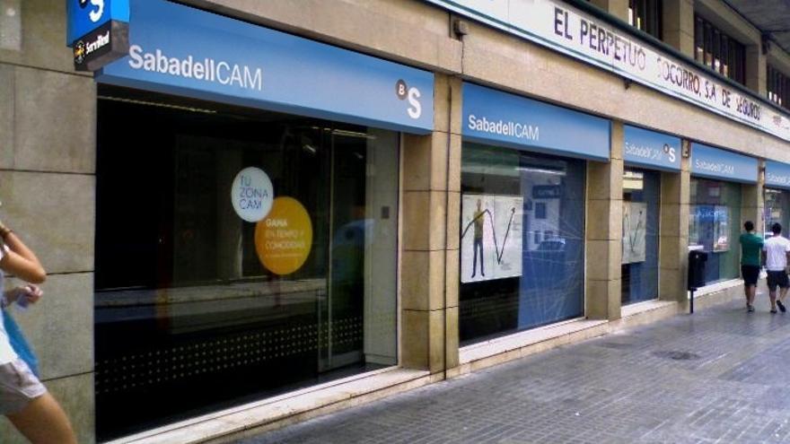 La UCE demanda a Banco Sabadell y la CAM por la venta de preferentes y cuotas participativas