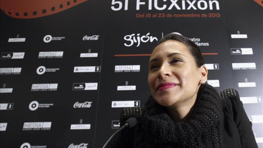 Claudia Sainte-Luce mira a los ojos de la muerte en su opera prima