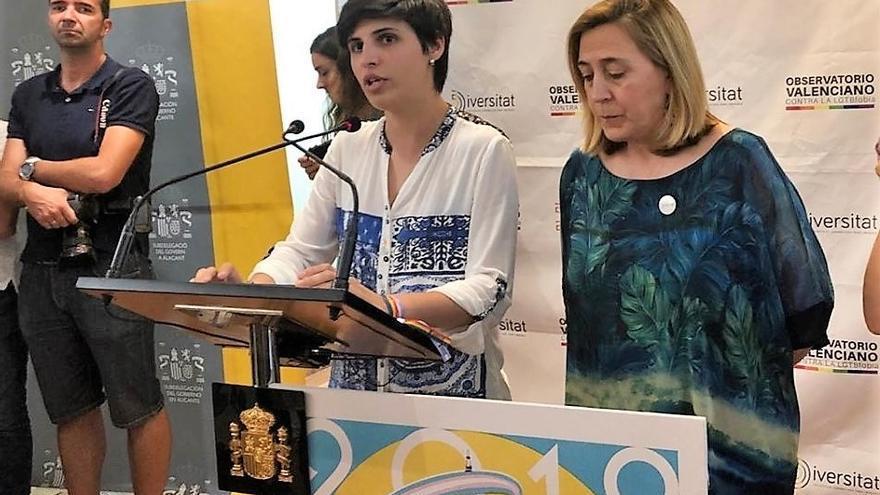 La vicepresidenta de Diversitat María López y la subdelegada del gobierno Araceli Poblador en el acto de este viernes