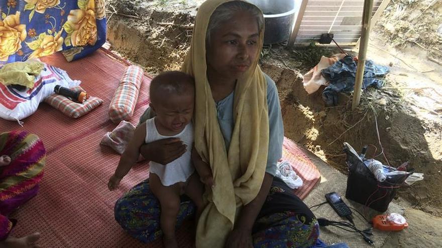 La ayuda no llega a los rohinyás y la OIM se prepara para el peor escenario