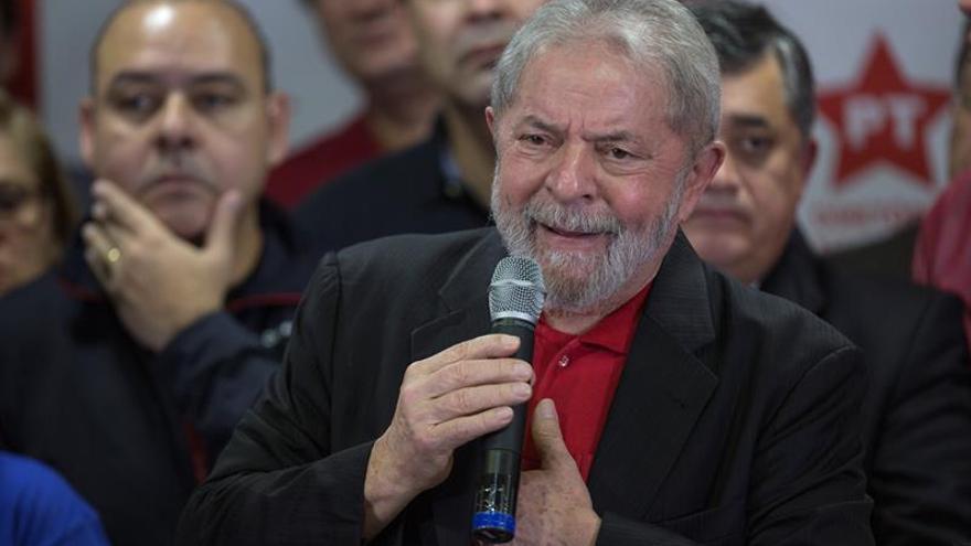 La Justicia brasileña bloquea 2,8 millones de dólares de fondos de pensión de Lula
