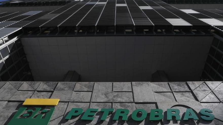 Petrobras amplía el corte en la producción de petróleo en Brasil por el coronavirus