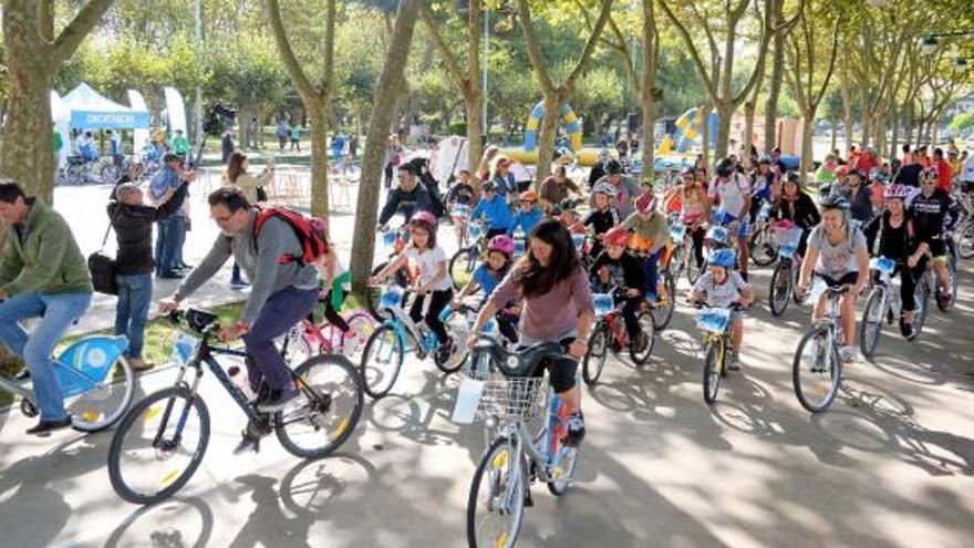 Marcha cicloturista en Santander
