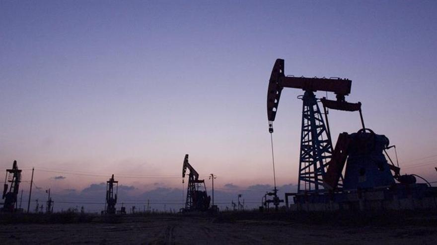 El acuerdo en la OPEP apuntala los precios aunque genera dudas a medio plazo