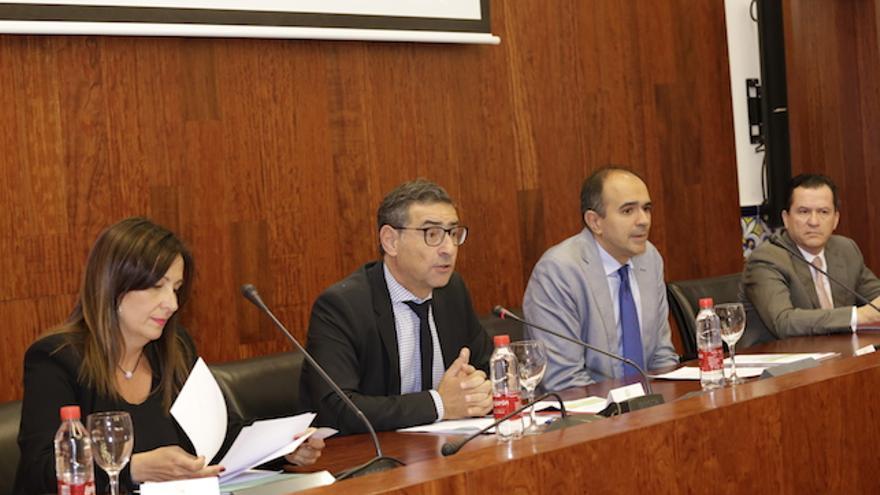 El acto tuvo lugar en el salón de grados de la facultad de Derecho