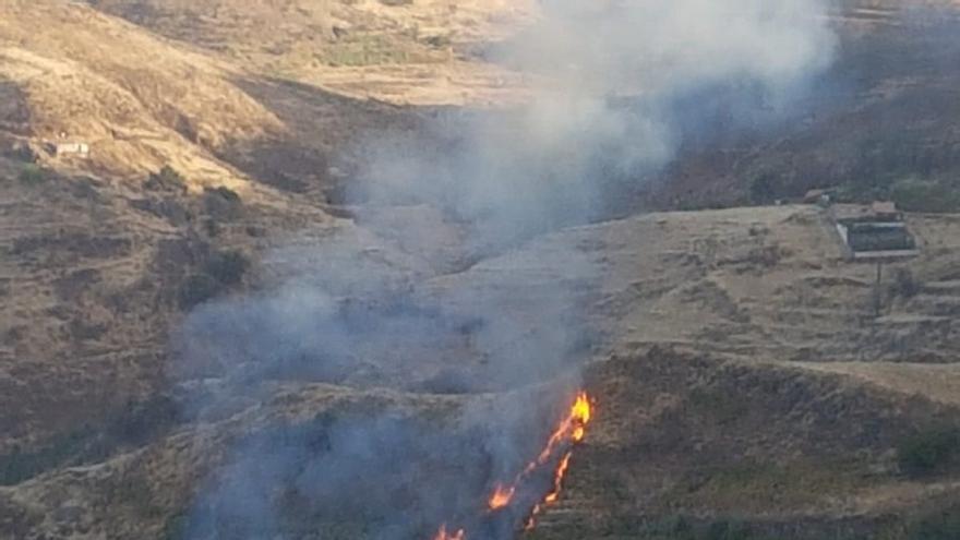 Conato de incendio entre Las Lagunetas y la Cruz de Tejeda