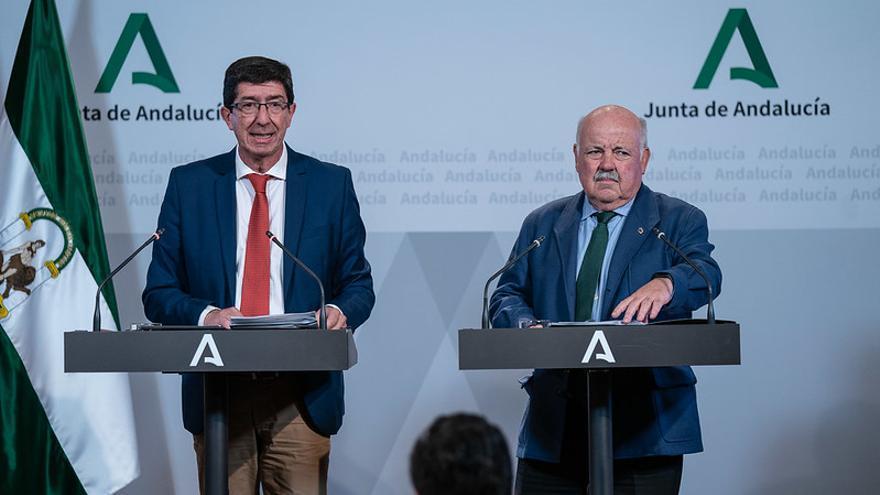 El vicepresidente de la Junta de Andalucía, Juan Marín, y el consejero de Salud, Jesús Aguirre.