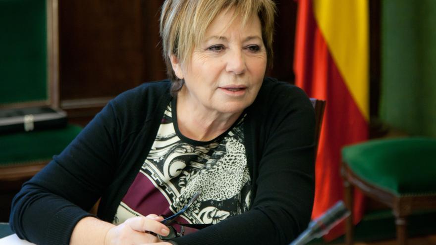 """Celia Villalobos no se cree el regreso de Aznar y dice que ahora está """"más encantada"""" que nunca"""