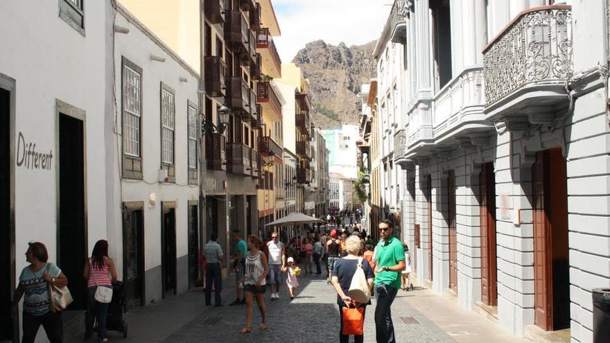 En la imagen, calle Real de Santa Cruz de La Palma