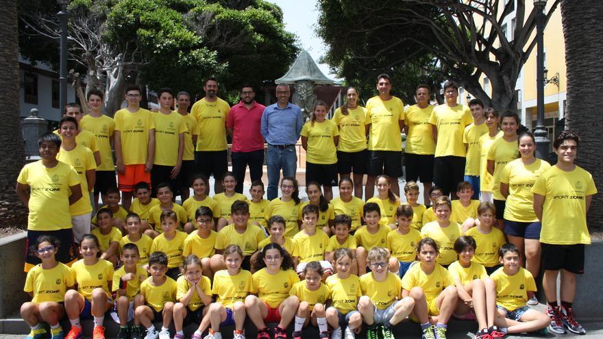 Participantes en el Campus de Baloncesto de la capital.