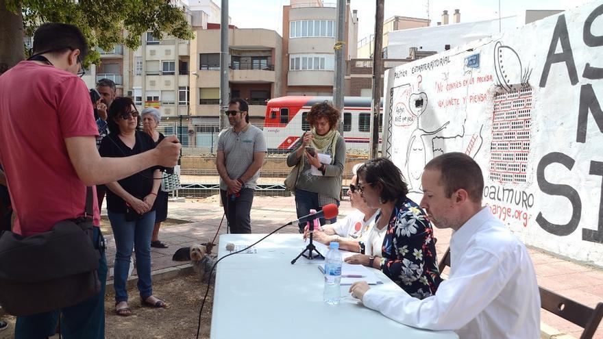 Murcia Sin Muros presenta su línea de acción contra el muro del AVE tras concluir la acampada