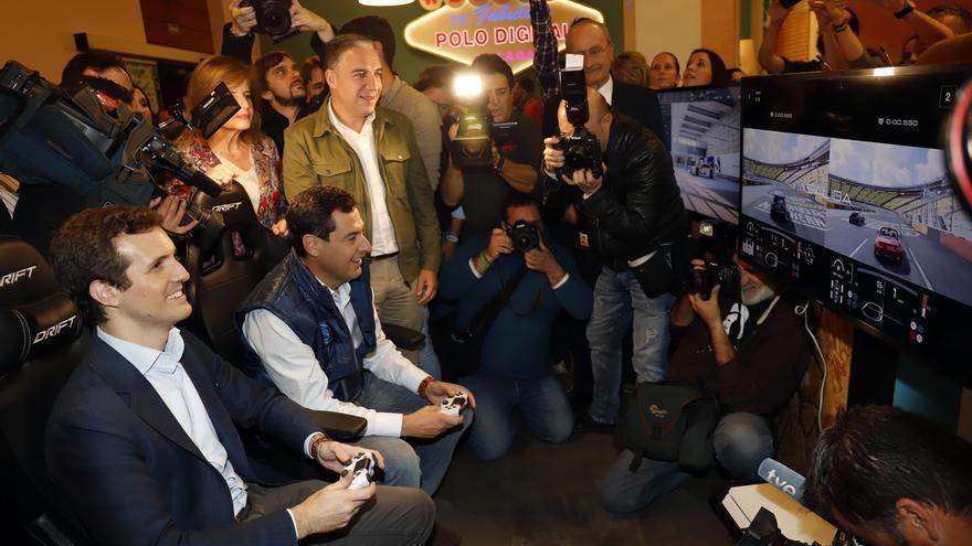 """Moreno y Casado arrancan campaña pidiendo """"rebeldía"""" a los jóvenes para acabar con 40 años """"en blanco y negro"""""""