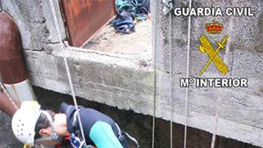 La persona fue rescatada por parte del personal del GREIM de Tenerife y de los GEAS de Las Palmas.
