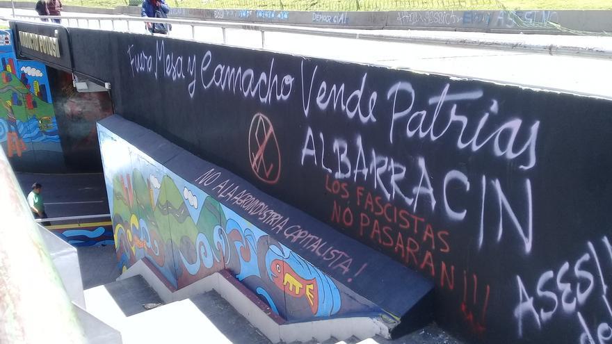 Pintadas callejeras reflejan en La Paz las voces de protesta que se alzancontra el Gobierno de Áñez.