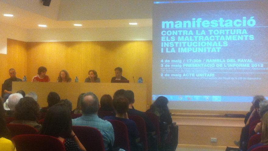 Una de les taules de l'acte unitari que va tenir lloc el passat dijous a la UB Raval / João França