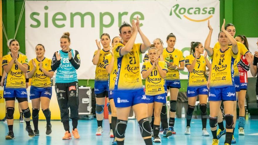 Jugadoras del Rocasa en un reciente partido de liga.