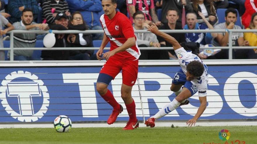 Álex Muñoz supera a Milla en el Tenerife-Sevilla Atlético de la temporada 17-18
