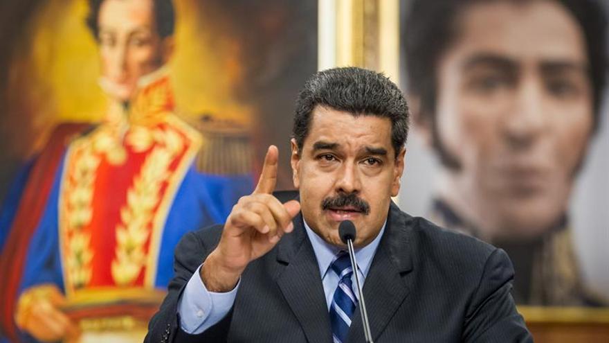 """Maduro reitera su llamado al diálogo al presidente del Parlamento """"sin condiciones"""""""